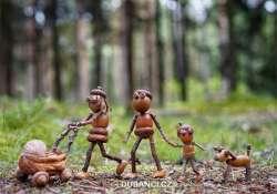 Imádnivaló makkfigurák egy cseh grafikus apukától